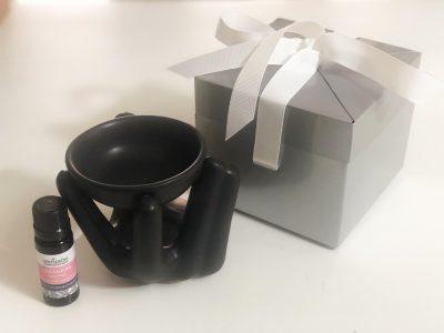 moederdag cadeautje aromalamp zwart met geranium bourbon