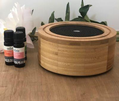 ultrasonische diffuser elia op houten tafel